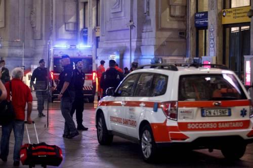 Milano, accoltellati un poliziotto e un militare 3