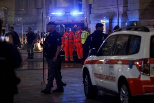 Milano, accoltellati un poliziotto e un militare 6