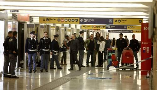 Milano, accoltellati un poliziotto e un militare 9