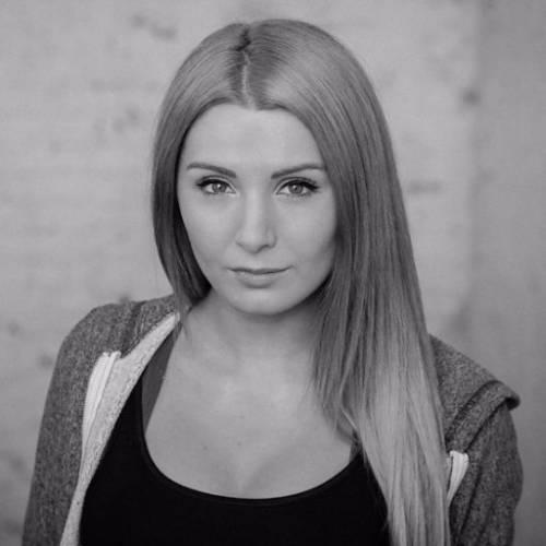 Lauren Southern, l'attivista che combatte islam, immigrazione e Ong