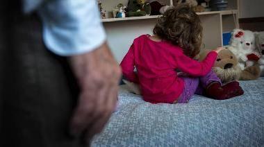 Presunti abusi sulla figlia: da rifare il processo al padre