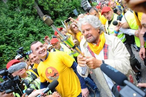 Beppe Grillo in marcia per il reddito di cittadinanza 3