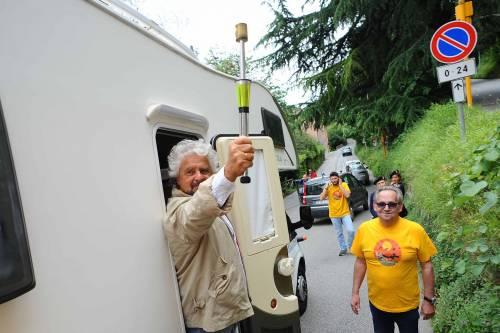 Beppe Grillo in marcia per il reddito di cittadinanza 6
