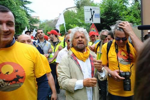 Beppe Grillo in marcia per il reddito di cittadinanza 8