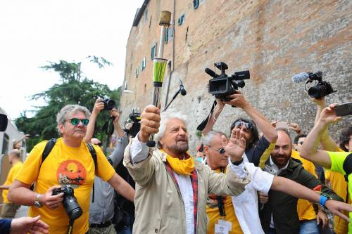 Beppe Grillo in marcia per il reddito di cittadinanza 10