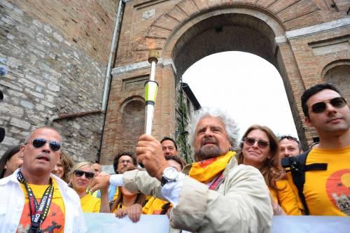 Beppe Grillo in marcia per il reddito di cittadinanza 13