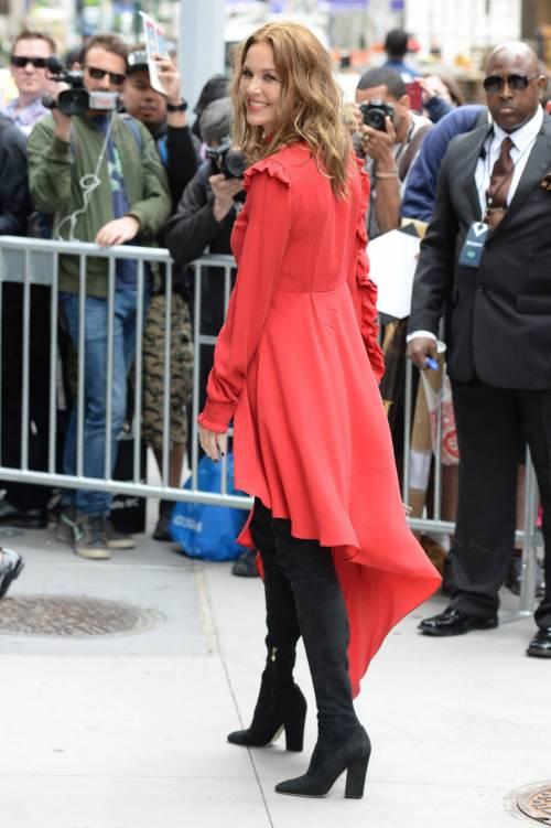 Connie Nielsen, il vento alza la gonna sul red carpet 20