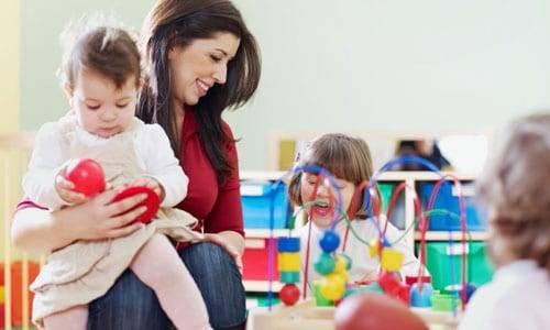 """La """"Fase 2"""" di chi ha un figlio: che cosa cambia dal 4 maggio"""