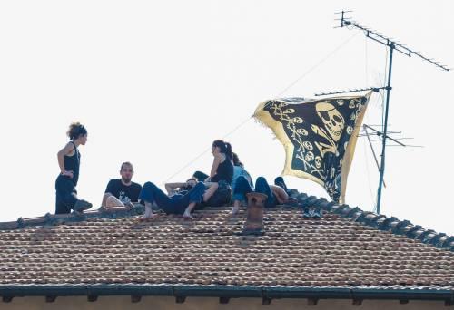 """I veri fascisti? Gli anarchici: """"A fuoco Lega e Forza Italia"""""""