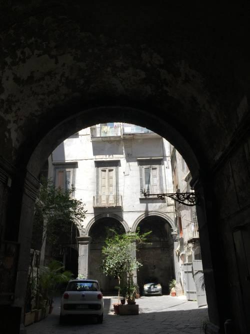 Napoli, il quartiere della Forcella 19