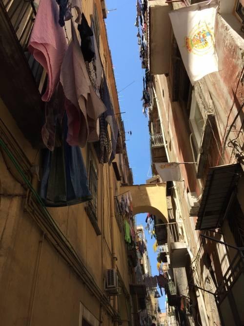 Napoli, il quartiere della Forcella 20