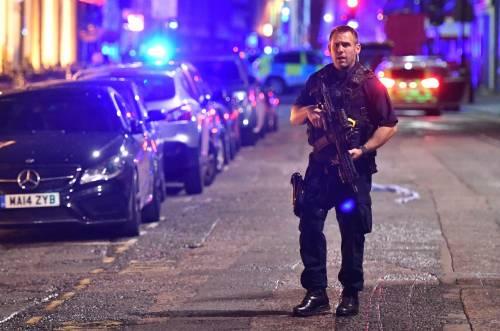 Londra, attacco sul London Bridge 2