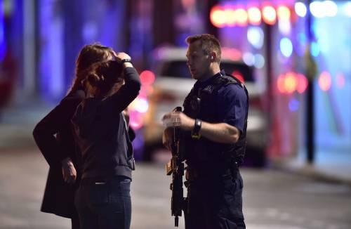 Londra, attacco sul London Bridge 6