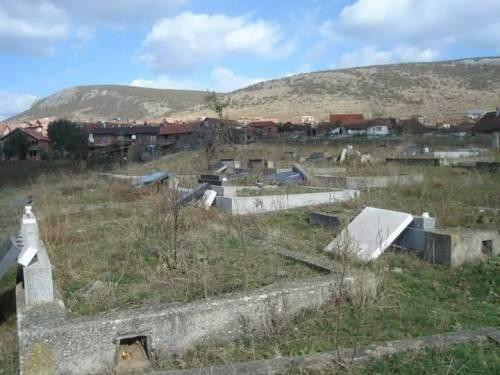 Croci spezzate: Kosovo in balia del radicalismo 4