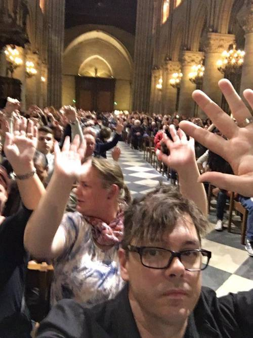 Parigi, 900 fedeli bloccati in chiesa a Notre Dame 2