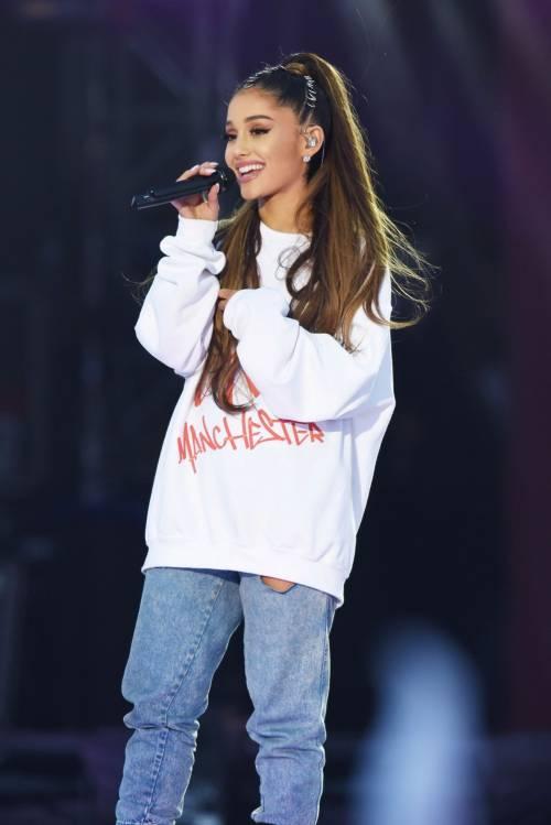 Ariana Grande solidale per Manchester 3