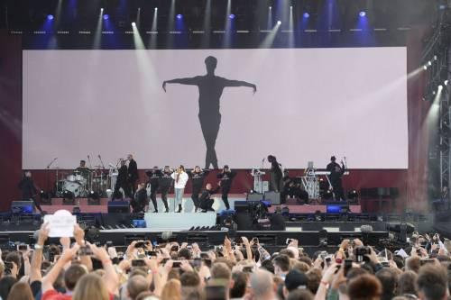 Ariana Grande solidale per Manchester 5