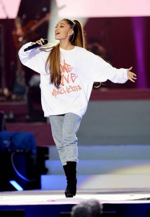 Ariana Grande solidale per Manchester 4