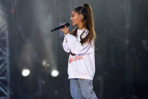 Ariana Grande solidale per Manchester 16