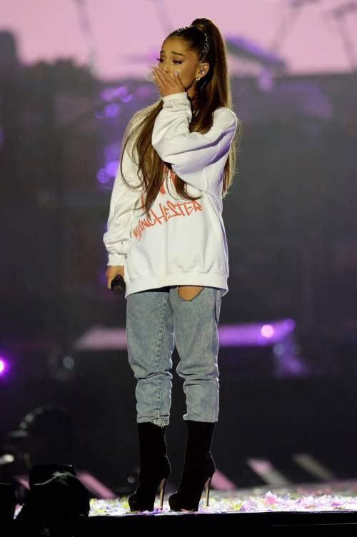 Ariana Grande solidale per Manchester 20