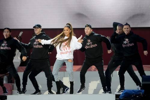 Ariana Grande solidale per Manchester 2