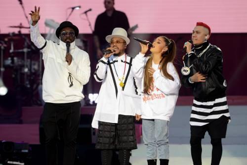 Ariana Grande solidale per Manchester 21