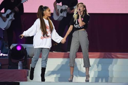 Ariana Grande solidale per Manchester 23