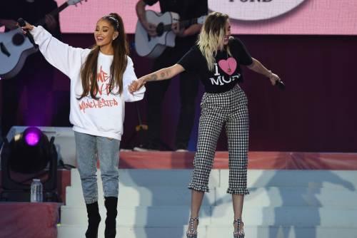 Ariana Grande solidale per Manchester 28