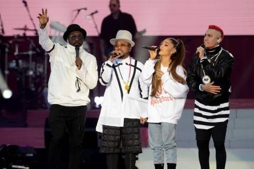 Ariana Grande solidale per Manchester 27