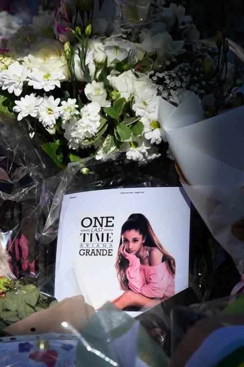 Ariana Grande solidale per Manchester 29