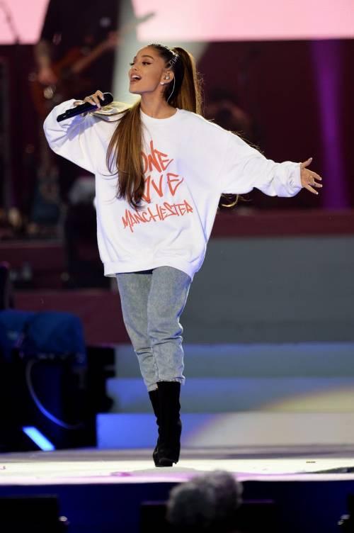 Ariana Grande solidale per Manchester 31