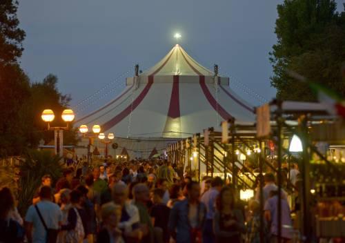Massimo Bottura, 24 chef e un circo felliniano: festa del gusto a Rimini