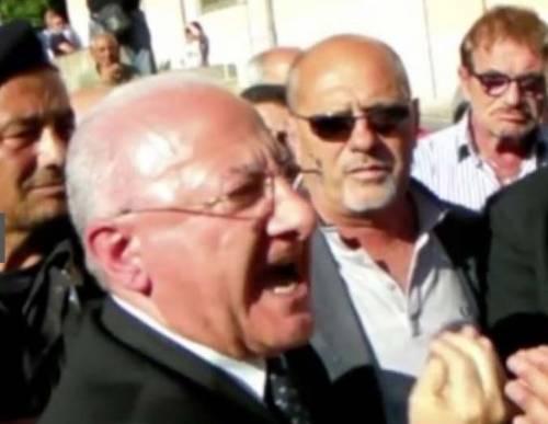 Lo Sceriffo senza codice (della strada):  De Luca contromano tampona una moto
