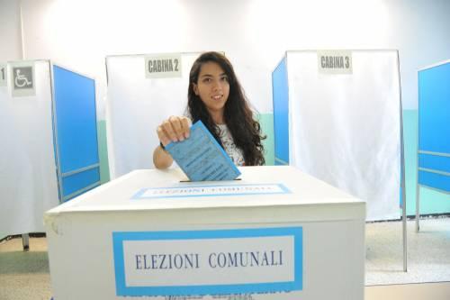 Comunali, 9 milioni di italiani al voto: alle 23 affluenza al 60%