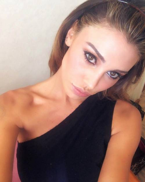 Belen Rodriguez, buongiorno in lingerie 4