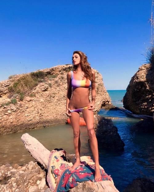 Belen Rodriguez, buongiorno in lingerie 8