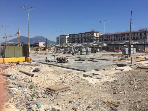 Napoli, piazza Garibaldi e Porta Nolana 6