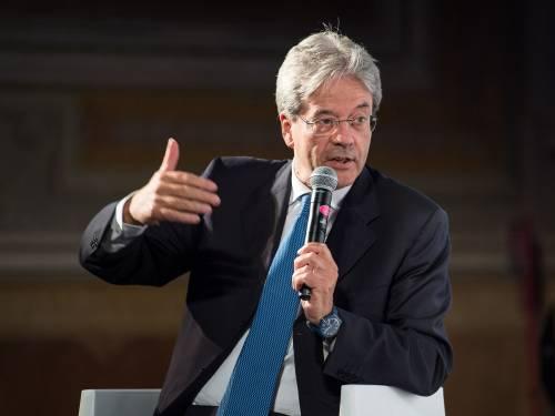 """Debito, Bruxelles inguaia il governo. Ma Gentiloni: """"Deficit già migliorato"""""""