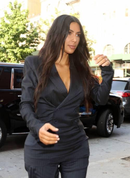 Kim Kardashian sexy, parla per le donne 4