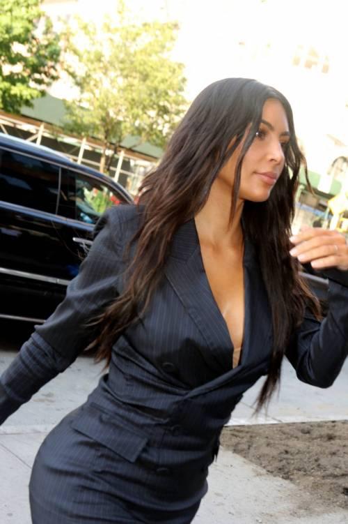 Kim Kardashian sexy, parla per le donne 7
