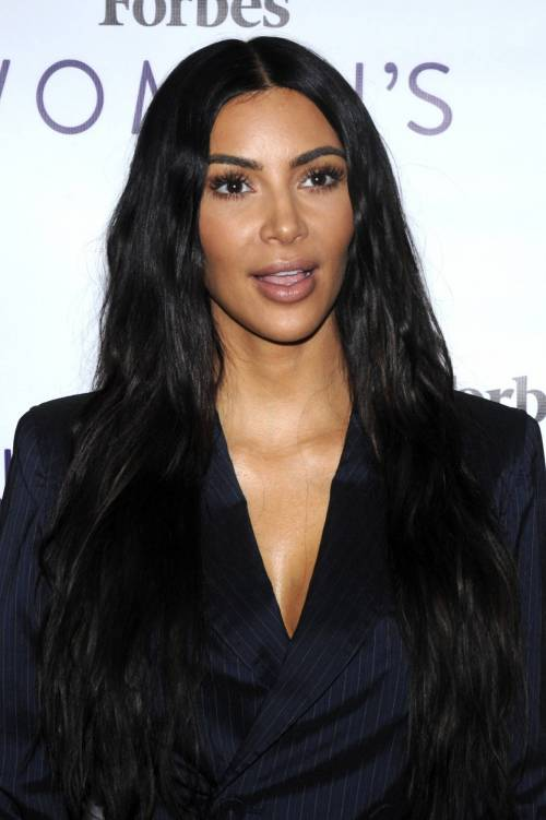 Kim Kardashian sexy, parla per le donne 11