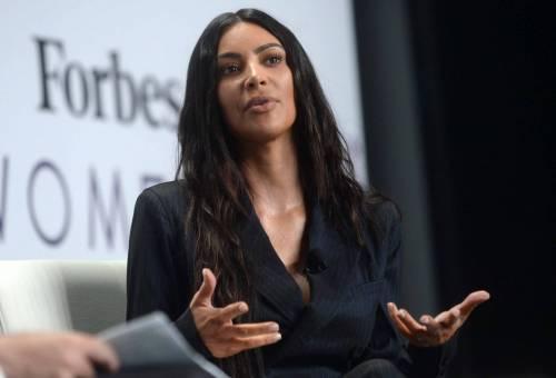 Kim Kardashian sexy, parla per le donne 2
