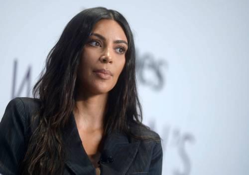 Kim Kardashian sexy, parla per le donne 25