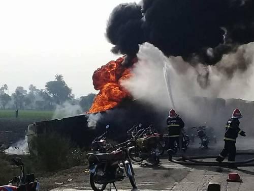 Pakistan, 146 morti nell'incidente a un'autocisterna 8