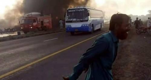 Pakistan, 146 morti nell'incidente a un'autocisterna 11