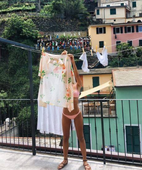 Emily Ratajkowski e la sua estate bollente in Italia 7