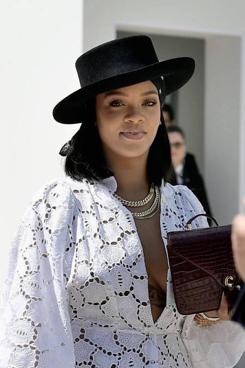 Rihanna, le foto sexy 16