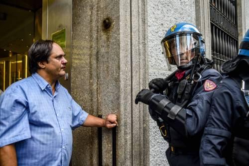 Tensioni al Comune di Milano 12