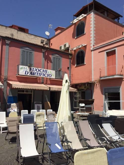 Napoli, il porto e il quartiere Mercato 7
