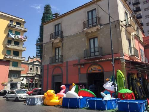 Napoli, il porto e il quartiere Mercato 10